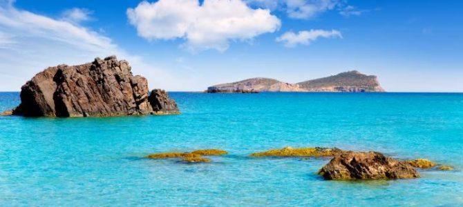 Las mejores calas de Ibiza que no te puedes perder este verano